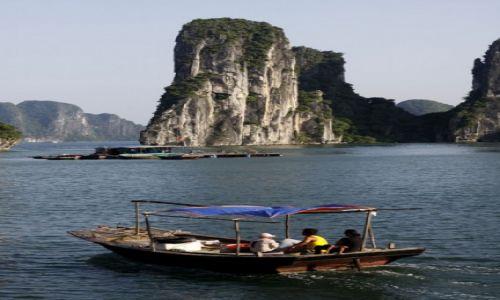 WIETNAM / Ha Long / Ha Long / W zatoce