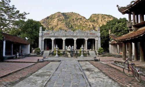 WIETNAM / Ninh Binh / okolice Ninh Binh / Świątynia Thai Vi
