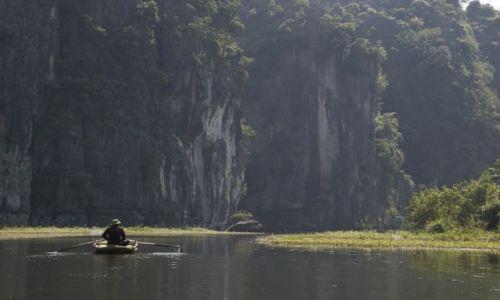 WIETNAM / Ninh Binh / okolice Ninh Binh / Raj pomiędzy górami