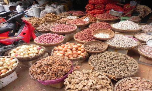 Zdjęcie WIETNAM / hanoi / bazar / cebulowo imbirowo