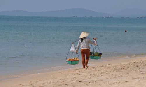 Zdjecie WIETNAM / wyspa w Zatoce Tajlandzkiej / Wyspa Phu Quoc / Sprzedawczyni owoców
