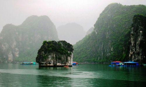 WIETNAM / - / Ha Long Bay / Zaczarowana Ha Long Bay