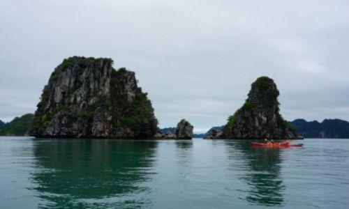 Zdjecie WIETNAM / Północny Wietnam / Zatoka Ha Long Bay / Kajakiem po Zat