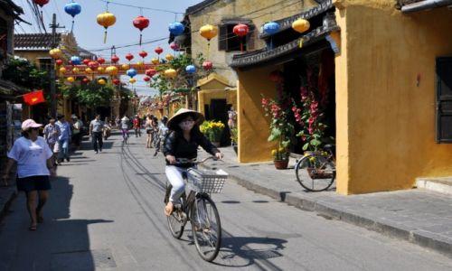 WIETNAM / środkowy Wietnam / Hoi An / Uliczka w Hoi An 2
