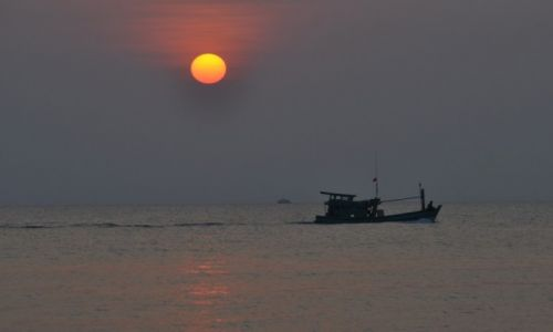 WIETNAM / Zatoka Tajlandzka / Phu Quoc / O zachodzie