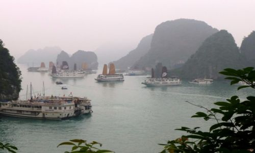 Zdjecie WIETNAM / ... / Ha Long. / We mgle