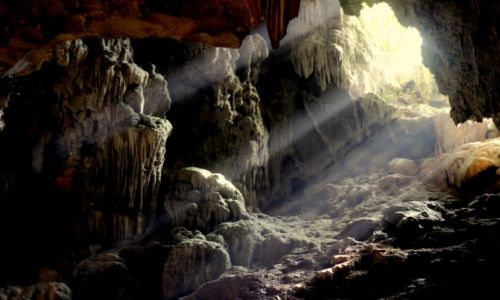 Zdjecie WIETNAM / Ha Long Bay / jaskinia Hang Dao Go  / grota