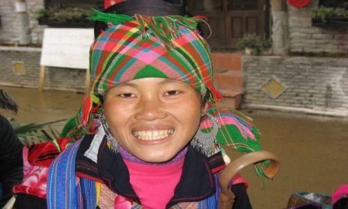 Zdjecie WIETNAM / Wietnam Północny / Sapa / Kobieta z  grupy etnicznej Hmongów