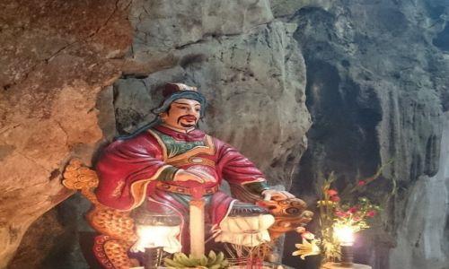 Zdjęcie WIETNAM / Da Nang / Jaskinia w Górach Marmurowych / Rycerz