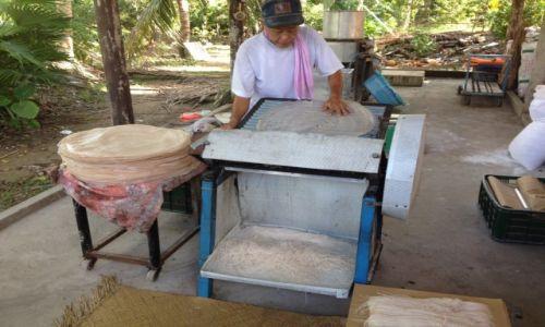 Zdjecie WIETNAM / delt Mekongu  / Sajgon / Produkcja makaronu ryżowego