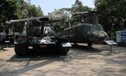 WIETNAM / Sajgon / Muzeum Wojny Sajgon / Wystwa wozów bojowych