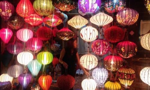 WIETNAM / Środkowy Wietnam / Hoi An / Sklep z lampionami