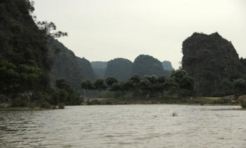 Zdjecie WIETNAM / Wietnam Północny / Ninh Binh / Góry na wodzie