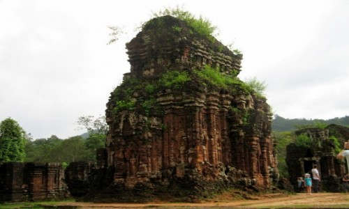 WIETNAM / Wybrze�e Po�udniowo-�rodkowe / My Son / Ruiny budowli ludu Czam�w (3) – My Son, Wietnam