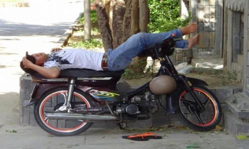 Zdjecie WIETNAM / - / Nha Trang / Gdy poczujesz senność,poddaj się..;)