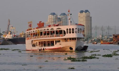 WIETNAM / Południowy Wietnam / Ho Chi Minh / Port w Sajgonie