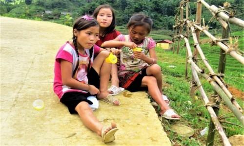 WIETNAM / Lao Cai / Sa Pa / Dzieci
