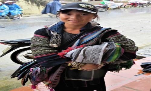 WIETNAM / Lao Cai / Sa Pa / Pani z ludu Hmong