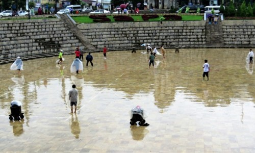 WIETNAM / Lao Cai / Sa Pa / W deszczu też można grać