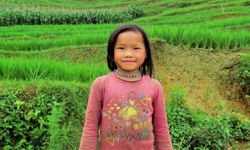 WIETNAM / Lao Cai / Sa Pa / Dziewczynka