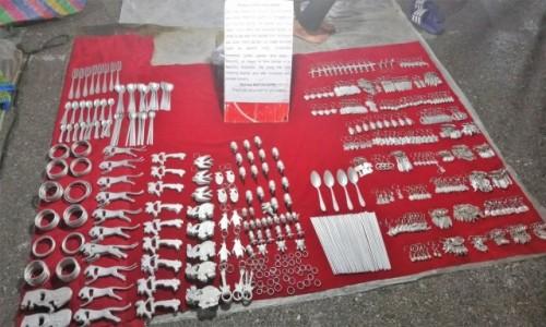 Zdjecie LAOS / - / Luangprabang / Rzeczy zrobione z amerykańskich bomb