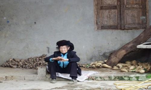 WIETNAM / północ / Ninh Binh / Dzień jak codzień