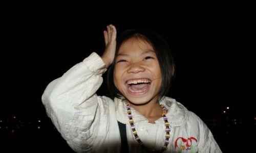Zdjecie WIETNAM / Hanoi / Wietnam / mała handlarka