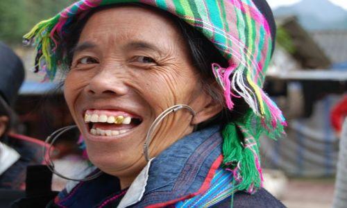 Zdjęcie WIETNAM / Sapa / Sapa / Szatański usmiech
