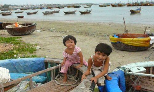 Zdjęcie WIETNAM / brak / Mui Ne / mali rybacy