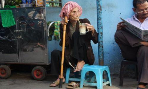 Zdjecie WIETNAM / Saigon / Saigon / Starbucks