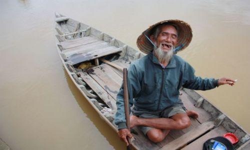 Zdjęcie WIETNAM / Da Nang / Da Nang / usmiech bez tajemnic ;-)