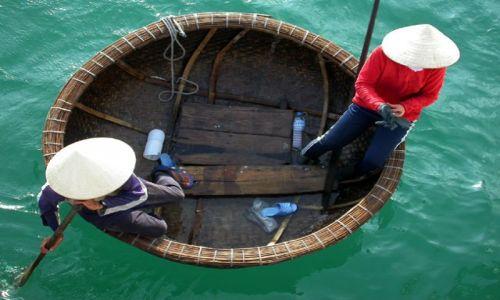 Zdjecie WIETNAM / halon bay / halong / bamboo basket