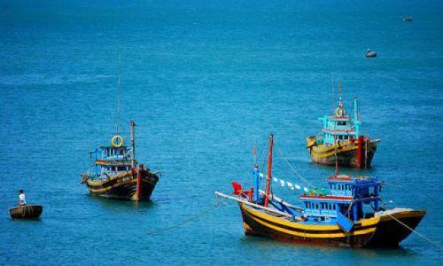 Zdjecie WIETNAM / brak / rybacka wiosna za rogatkami Mui Ne / fishing boats