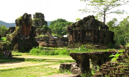 Zdjęcie WIETNAM / okolice Hoi An / dżungla / My Son 2