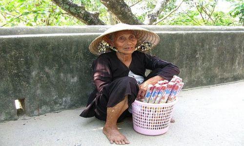 Zdjęcie WIETNAM / brak / Nha Trang / portrety Wietnamczyków 10