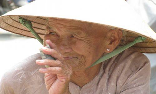 Zdjęcie WIETNAM / - / Hue / kobieta
