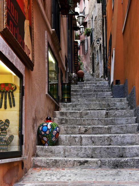 Zdjęcia: Taormina, zaciszna uliczka, Sycylia, Sycylia, WłOCHY