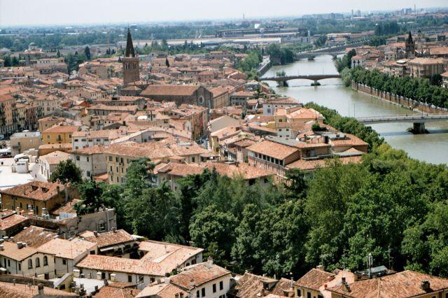 Zdjęcia: Werona - widok na miasto i rzekę Adygę , Werona, WłOCHY
