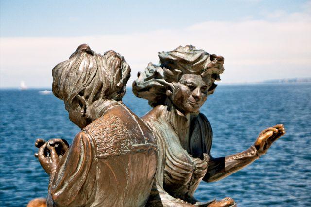 Zdjęcia: Triest - rzeźby nad morzem, Triest, WłOCHY
