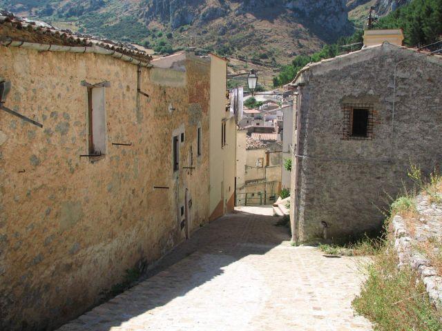 Zdjęcia: Sycylia, Sycylia, W górskim miasteczku, WłOCHY