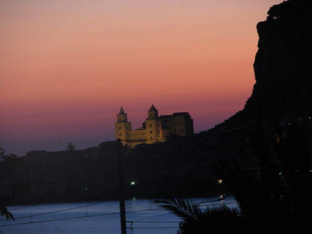 Zdjęcia: Cefalu, Sycylia, płomienny świt, WłOCHY