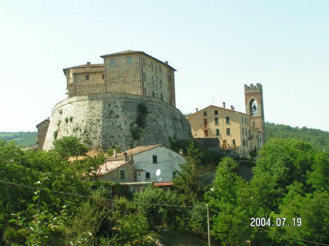 Zdj�cia: Miasto -cytadela, Marche, Monte Cerignone, W�OCHY