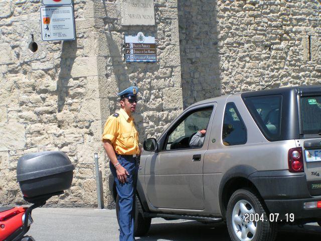 Zdjęcia: Policjant, Marche, San Marino, WłOCHY