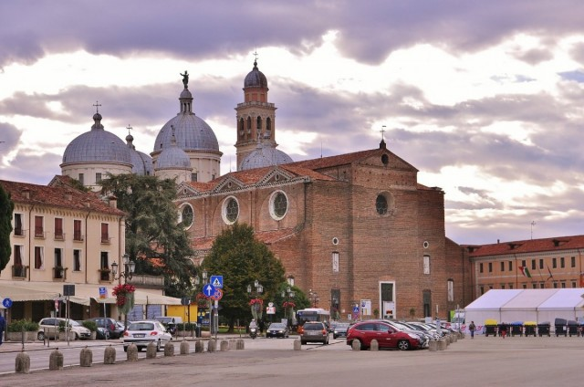 Zdjęcia: Padwa, Veneto, Padwa, bazylika św. Justyny, WłOCHY
