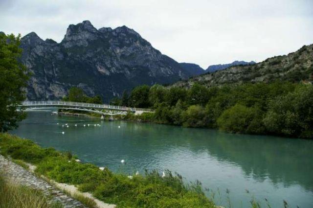 Zdjęcia: Lago di Garda, Rzeka zasilająca Gardę, WłOCHY