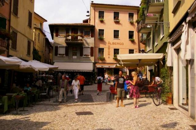 Zdjęcia: Lago di Garda, Malcesine rynek, WłOCHY