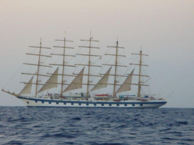 Zdjęcia: okolice Sycylii, Morze Śródziemne, Żaglowiec o świcie, WłOCHY