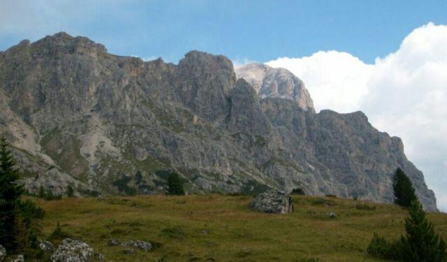 Zdjęcia: Dolomity, Przyczajona Tofana de Rozes., WłOCHY