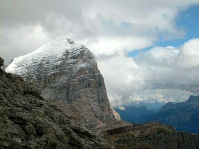 Zdjęcia: Dolomity, Tofana de Rozes w bieli., WłOCHY