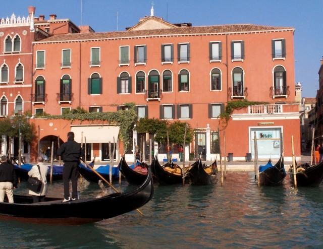 """Zdjęcia: Wenecja, Wenecja Euganejska, Postój """"taksówek"""", WłOCHY"""